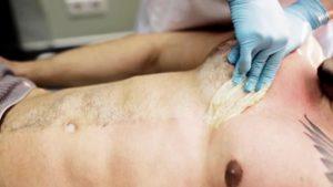 Мужской шугаринг - грудь и живот
